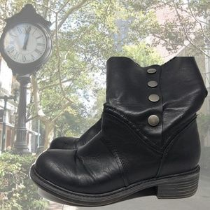 G.H. Bass Savannah Ankle Boot
